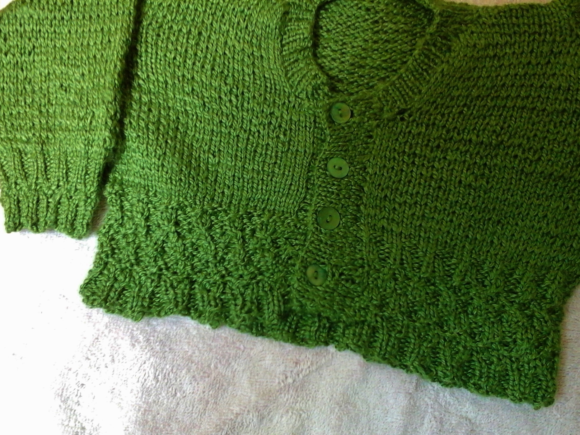 Baby jumper green incl sleeve